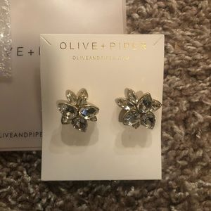 NWT Olive + Piper earrings